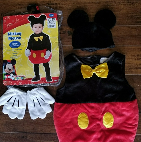 afb96702700 Disney Mickey Mouse Costume. M 5b8547120cb5aa7d820fbb55